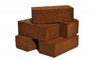peat-briquettes
