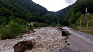 cod-galben-de-inundatii-pentru-rauri-din-13-judete-din-romania-1465140577